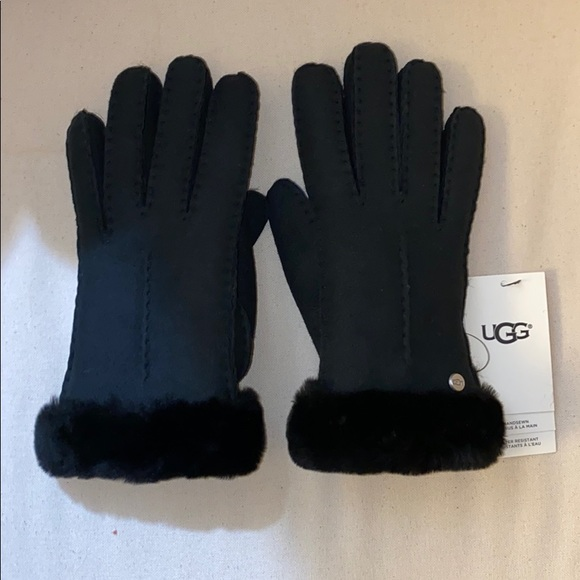 UGG Accessories - UGG Womens Gloves Size small Sheepskin